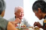 北京两会讨论养老居家服务建设