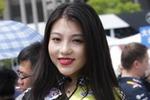 中国站模特笑容甜美