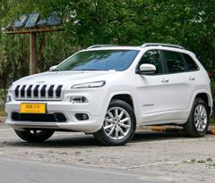 Jeep自由光最高降3.3万