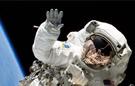 美!NASA宇航员太空行走