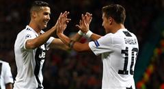 欧冠-尤文1-0曼联 C罗迪巴拉击掌相庆