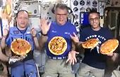 史上首次太空PIZZA盛会
